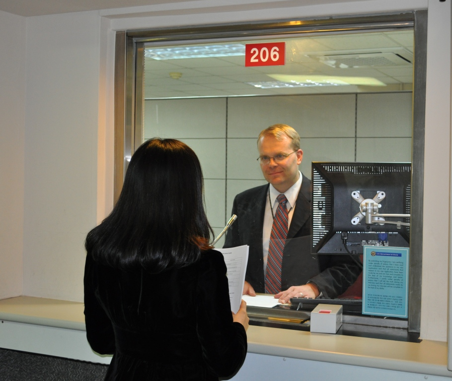 Us embassy london immigrant visa interview for Consul windows